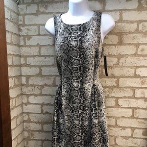 NWT Tahari print dress. Size M